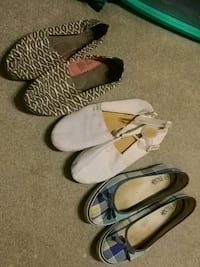 three pairs of assorted shoes Surrey, V3S 8R4