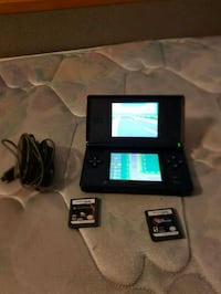 Nintendo ds lite with 3 games