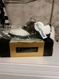 Golf cleats never worn $100 or best offer  Easton, 02356