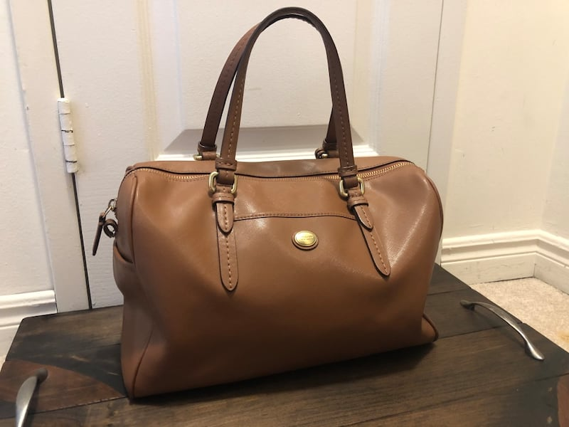 Brown Coach Purse 750a715f-f0c2-4a27-946c-78ab4e85c5a5