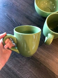 Two mugs, two bowls