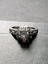 Sterling silver crystal ring size 7 Albuquerque, 87109