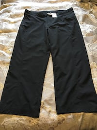 Athletic Works Capris size small Calgary, T2Y 4B1