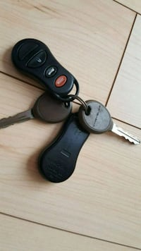 Chrysler key and remote.