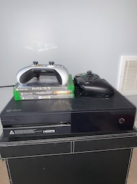 XBOX one + 2 Controllers