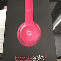 Beats head phones hot pink make an offer Altoona, 50009