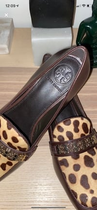 Brand new authentic Tory Burch dress shoes ! Size 7.5 / 38 Toronto, M5G 1G7