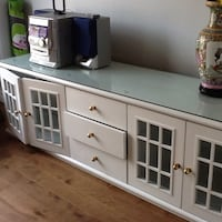 White display cabinet (not including display items) Toronto, M6G