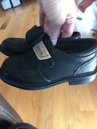 Boys Size 9.5 toddler black shoes