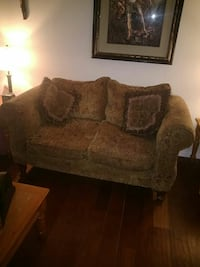 Set sofa and love sit plus 2 lamps