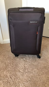 Like New Suitcase - Used Once Greenville, 29607