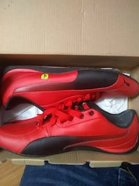 red-and-black Puma low-top sneakers Houston, 77040