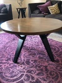 round brown wooden coffee table Rancho Cucamonga, 91739