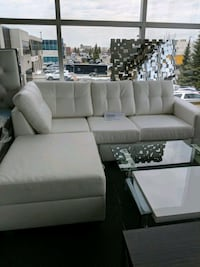 Canadian made new sofa Vaughan, L4K 4Z9