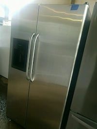 36w side by side refrigerator excellent condition  Baltimore, 21223
