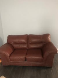 Brown/red leather 2-seat sofa Richmond Hill, L4S 0W3