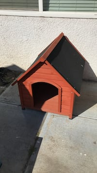 red and black wooden doghouse Fresno, 93727