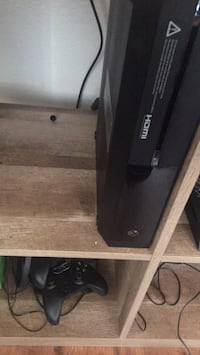 XBox One........500GB HD original system Clean reset and additional Controller. Killeen, 76542