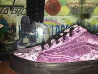 Pair of Velvet Vans Bend, 97702