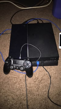 black Sony PS4 console with controller Hyattsville, 20782