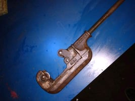 Vintage Beaver no. 2 pipe cutter