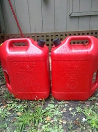 two red plastic pet carriers Hardeeville, 29927