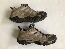 MERRELL Moab Womens Waterproof Hiking Trail Shoes Boots 7 Waterproof