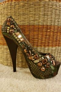 Like New Heels: Size 8 Bowie, 20720