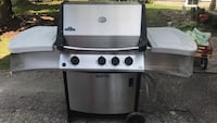 Napoleon Natural gas Bbq, in working condition Centre Wellington, N1M 3M7