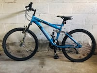 MONGOOSE - Boy's Blue and black full-suspension bike 233 mi
