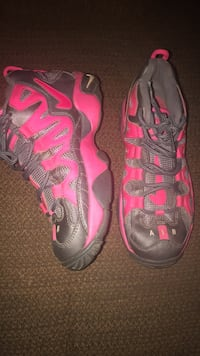 5Y Pink & Grey Nikes  Roanoke, 24016