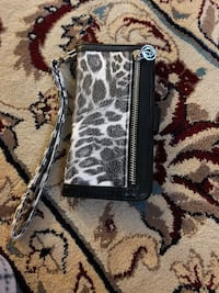 i phone 6 phone cover used with normal wear n tear , negotiable  Streamwood, 60107