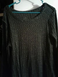 Light weight long sleeve top  Hobbs