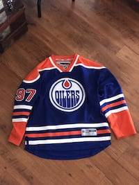 Authentic Connor McDavid Oilers jersey size M