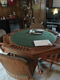 brown and green octagonal poker table 13 km