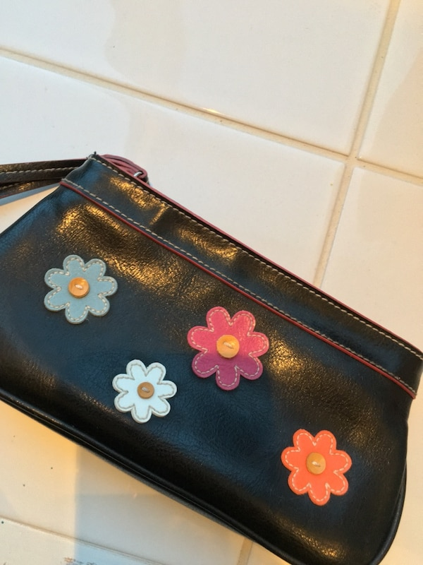 Floral leather clutch (Free if with 2 other items) e883c6d2-a8b8-4a46-a5be-94c95b549368