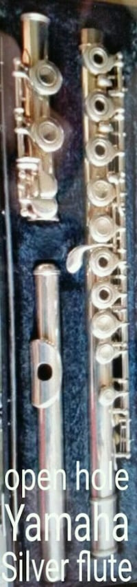 Yamaha open hole silver flute and case  Las Vegas, 89183