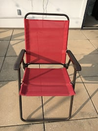 4 Red outdoor folding chairs Washington, 20010