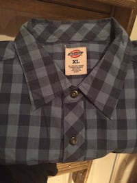 Blue plaid Dickies button-up collared shirt