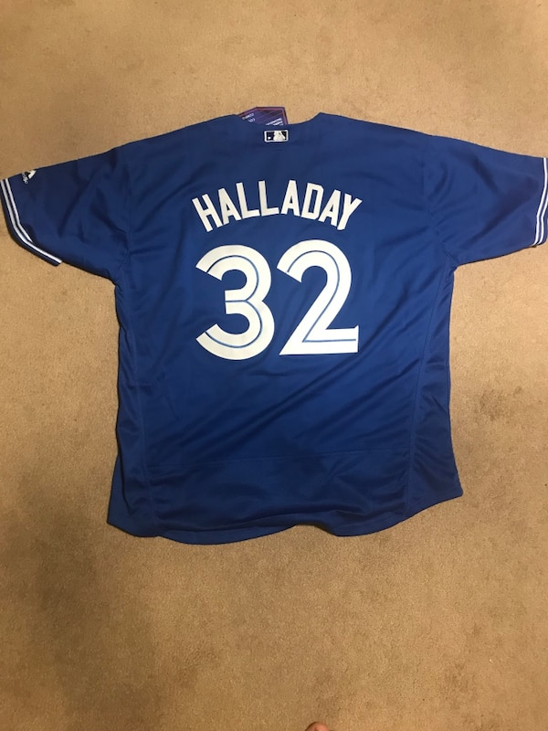 c4c3432697a Brukt Roy Halladay Blue Jays Jersey til salgs i Kitchener - letgo