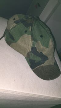 green and brown camouflage cap Sterling, 20164