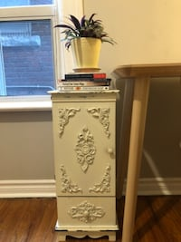 Beautiful vintage nightstand! Toronto