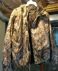 brown and black real tree camouflage jacket New Market, 21774