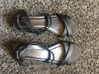 Pair of grey leather open-toe ankle-strap one inch heel sandals size 7 Millville, 96062