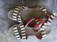 Crocs summer sandals(size7) 245(the rest for free) 마포구, 04074