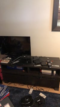 IKEA TV stand Burlington, L7L 3Z4