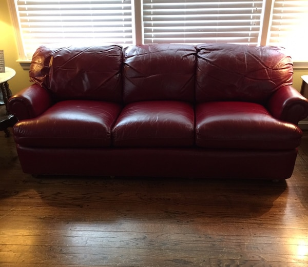Phenomenal Beautiful Burgundy Or Deep Wine Hancock And Moore Leather Sofa Couch Uwap Interior Chair Design Uwaporg