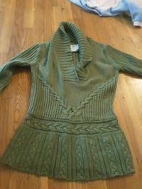 Sweater size s old navy Wilmington, 19805