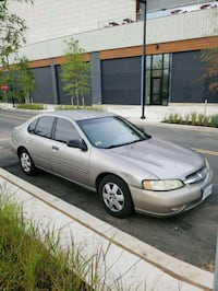 silver-colored Renault sedan Washington, 20011