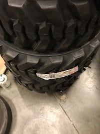4x steer skid tire bobcat tire 12- 16.5 14 ply $525 no lowball. Price is firm 2216 mi